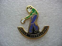 """Pin's Du Club De Pétanque De Vittel, """"la Boule Vittelloise"""" - Boule/Pétanque"""