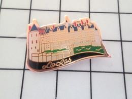 713M Pins Pin's / Rare & Belle Qualité THEME VILLES / CHATEAU DE LOCHES Repaire De Mme Bellepaire Bien Connue à RTL - Cities