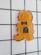 716A Pins Pin's / Rare & Belle Qualité THEME BANQUES / LION JAUNE TOUR DE FRANCE CREDIT LYONNAIS - Banken
