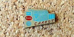 Pin's AUDI WOLKSWAGEN VAG Garage CARNOT (63) émaillé à Froid (époxy) Fabricant BERAUDY - Volkswagen