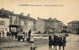 THENEZAY -  Place De L'Hôtel De Ville - Thenezay