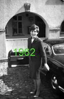 RARE PHOTO FORMAT 10x15 Cm ....... VOLKSWAGEN KARMANN GHIA & UNE JEUNE FEMME EN 1962 - Auto's