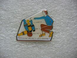 Pin's Du Club De Bowling Du Comité Des Fêtes De La Commune De Provencheres Les Darney (Dépt 88) - Bowling