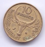 MADAGASCAR 1972: 10 Francs, KM 11 - Madagascar
