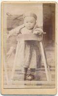 CDV - Enfant (chinois ?) Dans Son Youpala (trotteur) En Bois - Anonyme (ca 1900) - Anciennes (Av. 1900)
