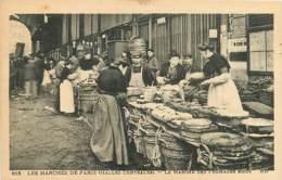 75 / 1° , Les Halles Centrales , Le Marché Des Fromages Mous , CF * 350 62 - Distrito: 01