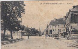27 LA RIVIERE THIBOUVILLE La Place Façade Café ,enseigne Réparation D'autos, Attelage Charette Avec Cheval - France