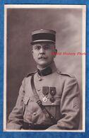 CPA Photo - Superbe Portrait D'un Officier , Médecin ? - TOP - Service De Santé - Médaille Képi Uniforme WW1 - Guerra 1914-18
