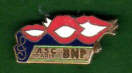 Pin's  BNP ASC Paris  Chorale  Zamac  Ballard - Pin's & Anstecknadeln