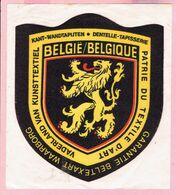 Sticker - Vaderland Van Kunsttextiel - KANT-WANDTAPIJTEN - BELGIË - LEEUW - DENTELLE-TAPISSERIE - Stickers