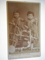 PHOTO CDV 19 EME 2 JEUNE FILLE CHIC JOUET  MODE  Cabinet ROSTAING BIECHY A GRENOBLE - Old (before 1900)