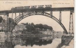 ***53  ***  MAYENNE  Le Viaduc Et Le Train Timbrée  Excellent état - Mayenne