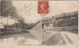 Marne :  AY  En  CHAMPAGNE : Le  Canal , Pont Du Cheminde  Fer , Train - Ay En Champagne
