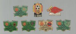 PINS PIN'S FOOT FOOTBALL 260  MUC LE MANS 72 LA ROCHE SUR YON TOURS CHATEAUROUX ANGERS LORIENT LOT 7 PINS - Football