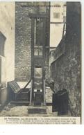 Bibliothèque Documentaire - La Guillotine, Vue Côté De La Tête - Cliché Branger - Altri