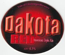 VALE OF GLAMORGAN BREWERY  (BARRY, WALES) - DAKOTA RED AMERICAN STYLE ALE - PUMP CLIP FRONT - Uithangborden