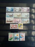 SAINT PIERRE Et MIQUELON. 1955 à 1963.T14 Timbres ( 11 Neufs, 3 Oblitérés ) . Côte Yvert 24,50 € - St.Pedro Y Miquelon
