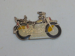 Pin's MOTO RITA MARLOW - Motorbikes