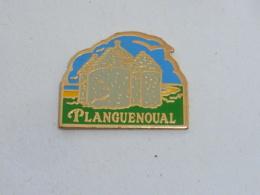 Pin's PLANGUENOUAK, COTES D  ARMOR - Cities