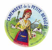 ETIQUETTE De FROMAGE..CAMEMBERT De La Petite Bergère.. Fabriqué En LORRAINE (54-S) - Fromage