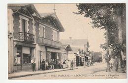 Arcachon ( Gironde) Boulevard à L'Aiguillon Avec Commerces - Arcachon