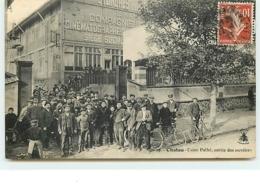 CHATOU - Usine Pathé, Sortie Des Ouvriers - Cinéma - Chatou