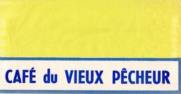 Chapeau Publicitaire En Papier Des Années 1950-1960 Café Du Vieux Pécheur 15,5 X 30,5 Cm - Caps