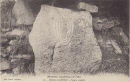 Monuments Mégalithiques De L'Oise : Dolmen D' Aveny . Figure Sculptée . - Dolmen & Menhire