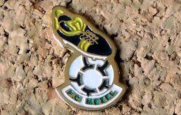 Pin's Football FC MEZEL (63) - Peint Cloisonné - Fabricant Inconnu - Fútbol