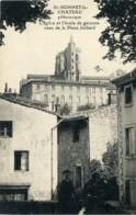 St-Bonnet-le-Château Pittoresque. L'Eglise Et L'Ecole De Garçons Vues De La Place Juillard. (42 Loire). - Francia