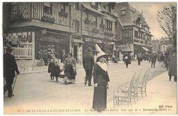 CALVADOS DEAUVILLE LA PLAGE FLEURIE  : LA RUE GONTAUT BIRON VUE SUR LE NORMANDY HÔTEL - Deauville