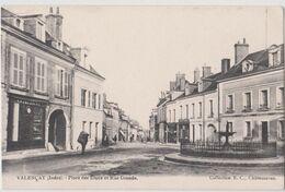 CPA Valencay (36)  Place Des Etaux Et Rue Grande  Horlogerie Fontaine   Coll EC Chateauroux    Plan Rare - Andere Gemeenten