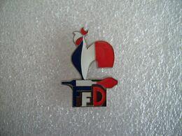 Pin's Coq Fédération Française De Darts - Fléchettes - Other
