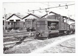 CPM VOIR DOS 13 Arles Trinquetaille Train Locotracteur De Manoeuvres N°1 à 2 Essieux Deutz Au Dépôt En 1948 - Arles