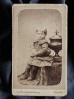 Photo CDV Piquée à Troyes - Jeune Enfant Avec Pantin, Poupée, Circa 1880 L519 - Anciennes (Av. 1900)