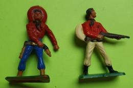 Lot 2 Figurines Soldat Jouet STARLUX - Plastique - COWBOY WESTERN - Tireur - Bon état D'usage - Années 1960 - Starlux