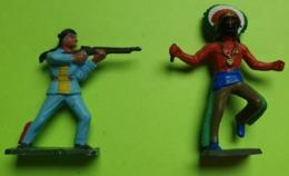Lot 2 Figurines Soldat Jouet STARLUX - Plastique - INDIEN WESTERN - état D'usage : Cassé - Année 1960 - Starlux
