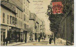 4829 -  CANNES :  Rue D' ANTIBES   ET LES MAGASINS    Circulée En 1905 - Cannes