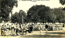 AR 977  /  C P A -  ROCHEFORT SUR MER    (17)    COURS D'ABLOIS  MARINS A L'EXERCICE   LE REPOS - Rochefort
