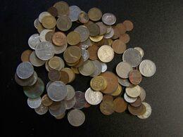 MONDE - Lot De 110 Pièces De Monnaie De Différent Pays Du Monde - Dans Leur Jus - 460 Gr - Mezclas - Monedas