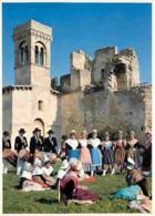 Folklore - Costumes - Beaucaire - Le Château - CPM - Voir Scans Recto-Verso - Costumes