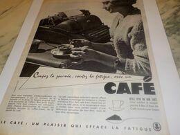 ANCIENNE PUBLICITE SECRETAIRE COUPEZ LA JOURNEE  CAFE 1959 - Afiches