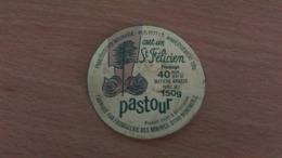 "Etiquette Fromage -  "" PASTOUR "" Un Félicien 40 % MAT G - Aschenbecher"