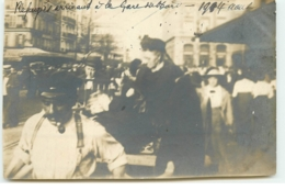 Photo - PARIS X - Août 1914 - Réfugiés Arrivant à La Gare Du Nord - District 10
