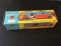 Corgi-toys : Camion De Cirque Transporteur De Chevaux Complet Avec Boîte Et Chevaux. État Impeccable ~1965 - Otros