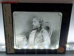 PLAQUE DE VERRE PORTRAIT DE FREDERIC OZANAM PROFESSEUR LITTERATURE SORBONNE RELIGION ST-VINCENTDE-PAUL - Glass Slides