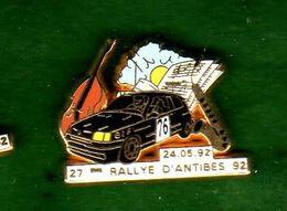 Pin's Renault Clio Diac  Rallye D'Antibes  92 Zamac Doré Arthus Bertrand - Arthus Bertrand
