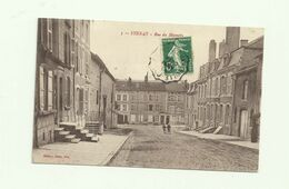 CPA 55 STENAY RUE DU MAGASIN MEUSE PERSONNAGE TIMBRE TAMPON ECRITE EDIT GEBERT BAZAR  DUMONT PHOTOGRAPHE - Stenay