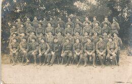 Carte-Photo - Portrait D'd'un Groupe De Militaire N°3 Sur Le Képi (BP) - Krieg, Militär