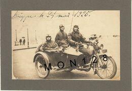 NORMANDIE-DIEPPE-PHOTO COLLEE SUR CARTON NOIR - SIDE CAR MAI 1925 - PLIURE VERTICALE DE LA PHOTO - Cycling
